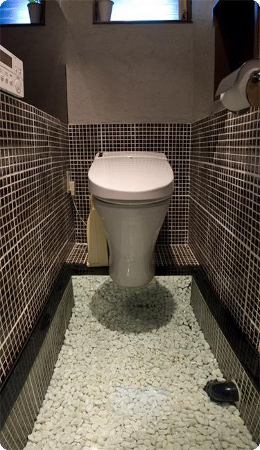 td_toilet01_main.jpg